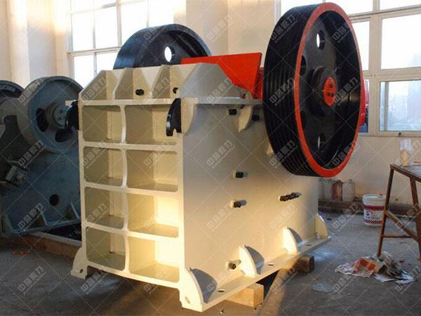 提高简摆式颚式破碎机台效的系统改造